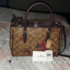 New coach purse khaki berry floral